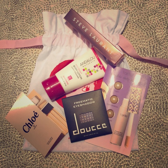 c528dc911e50 NWT Beauty Bundle - Sephora Play sample Goodie Bag